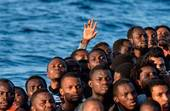Migranti soccorsi in mare (Foto Sir)