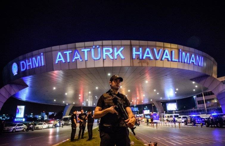 L'attentato all'aeroporto Ataturk (Foto Sir)