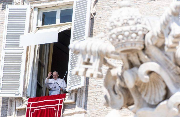 Papa Francesco: all'Angelus; <<preghiamo per il popolo in Libano che soffre tanto>>