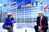 La Merkel e Trump al summit Nato (Foto Sir)