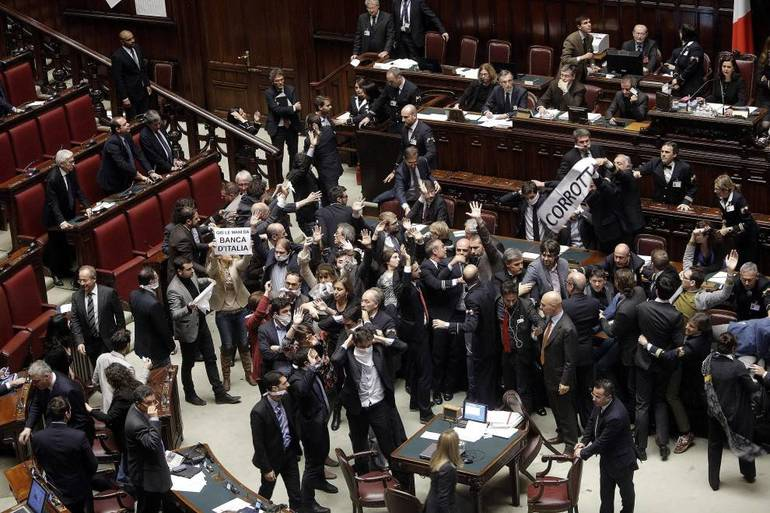 Assedio in parlamento protesta s violenza mai for Oggi in parlamento italiano