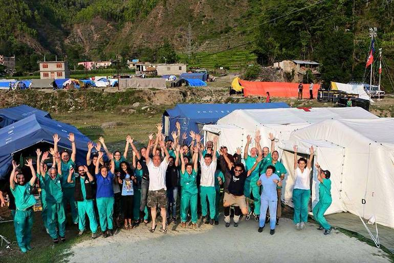 L'equipe a lavoro in Nepal