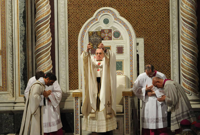 Papa francesco in S. Giovanni in Laterano (fotosir)