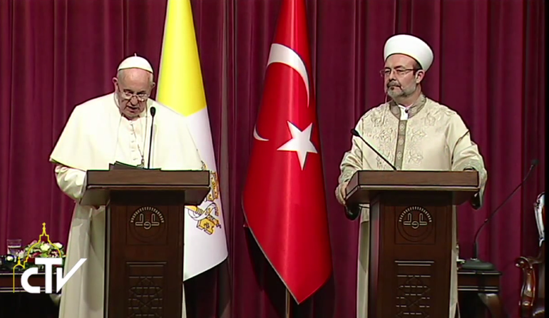 Papa Francesco all'incontro interreligioso ad Ankara