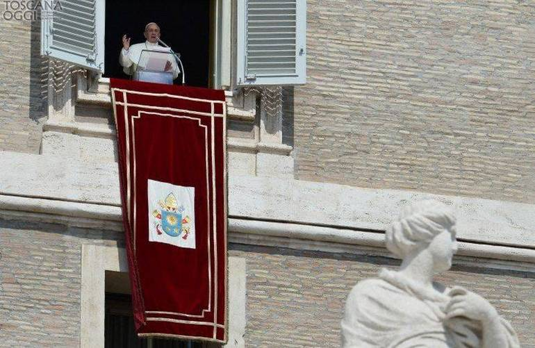 Il Papa all'Angelus (Foto Sir)